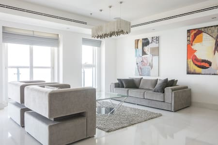 Exclusive Penthouse Apartment - Master Room - Dubai Marina