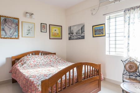 5) Private 1BR Penthouse With Large Balcony Sitout - Wohnung