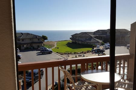 Beach Retreat Villa 2 Bedroom 2.5 Bath, Ocean View - Aptos - Lejlighedskompleks