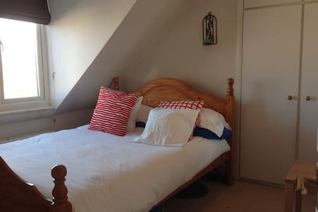Private double room for professional person - Pis