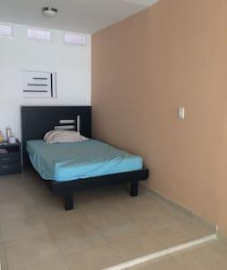 Aparta estudio excelente ubicación central - Cali - Apartment