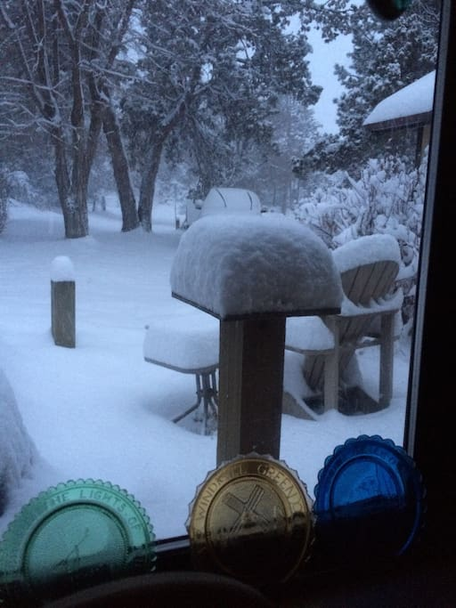 And YES !! we get snow here !! and we are only 20 miles from Mt Bachelor :-)