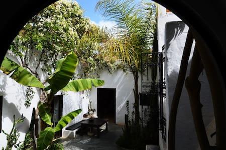 maison  traditionnelle patio arboré - Sidi Ifni