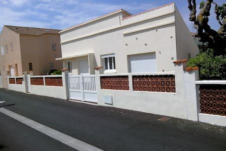 villa bord de mer portiragnes plage - Portiragnes - House