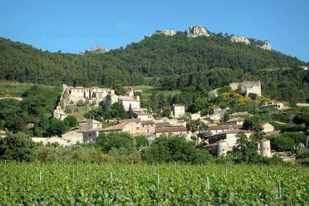 PETIT PRIX : Maison en Provence - House