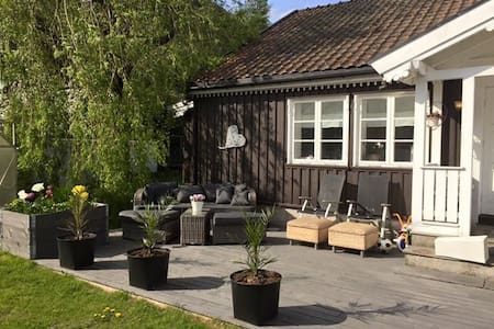 Cosy house close to the beach and city center - Larvik - Dom