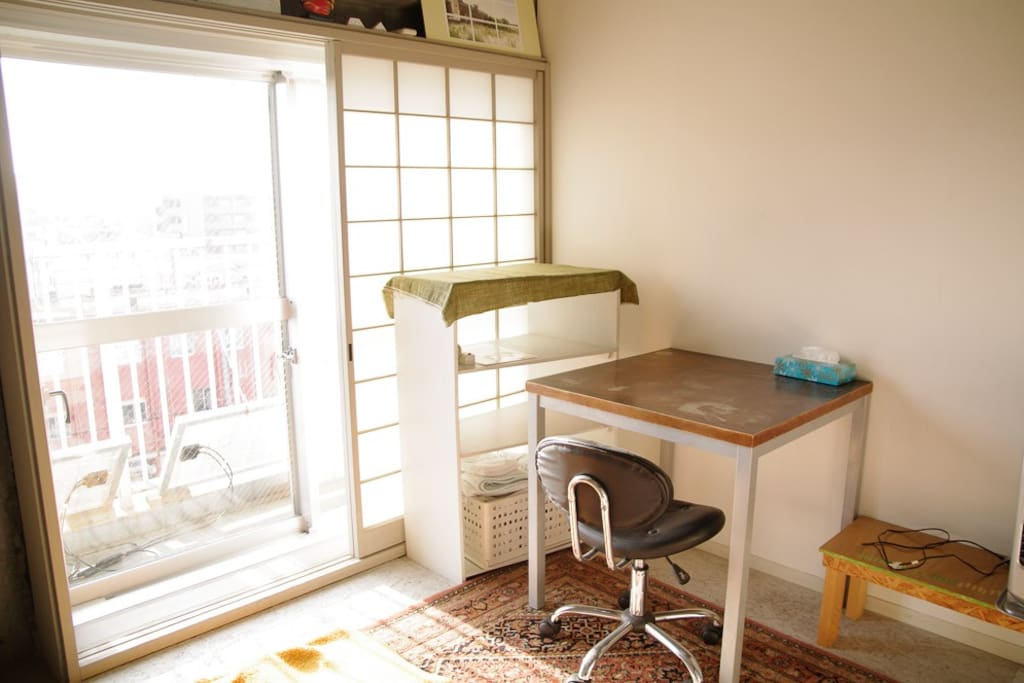 bed room with desk
