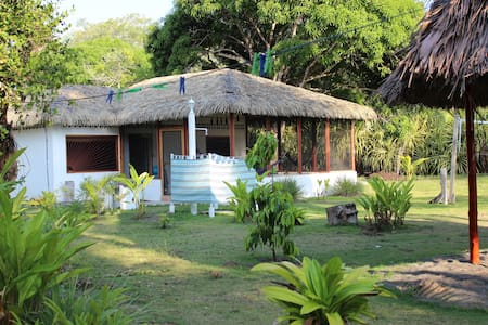 Charming Beachfront Casita - Zancudo - Bungalow