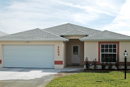 Luxury Rental in Sebring - Sebring