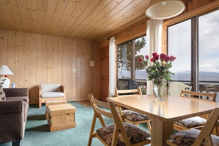 Lakefront pet friendly 1BR w kitchen and Living Rm - Tahoe Vista - Condominium