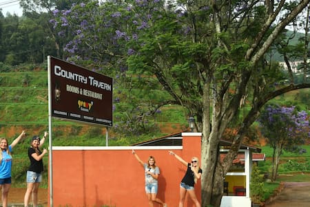 Country Tavern - Colonial Bunglow - Ooty - Bungalow
