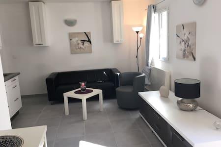 Appartement en rez de jardin en Provence - Maison