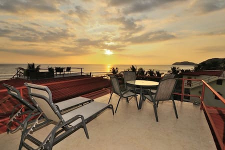 Beachfront Condo, Best View in Jaco - Appartement