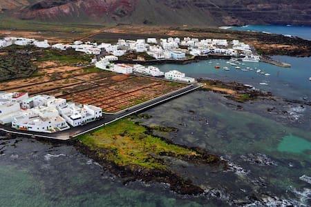 Habitación en Orzola en misma playa - Dom