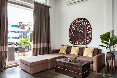 Stunning Khmer Modern Loft - Phnom Penh - Apartment