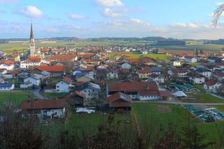 Ganzes Apartment im ländlich-geprägten Chiemgau - Wohnung