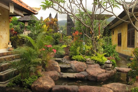 Beautiful Balinese house Aling Aling WATERFALLS - Sukasada
