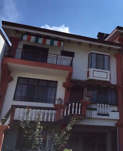 Habitación con balcón en San Pedro. - San Pedro - Hus