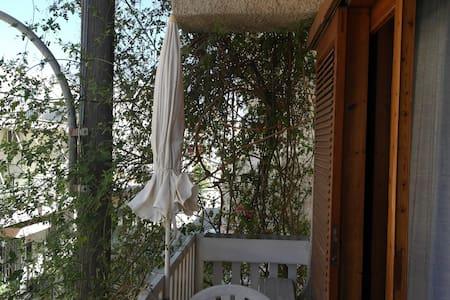 Eνοικιαζόμενα Δωμάτια Eleni Rooms - Apartment