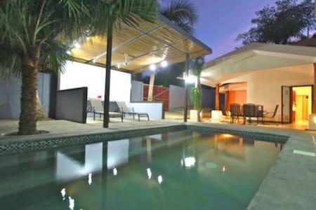 4 BR HOUSE CAMARADA WITH POOL
