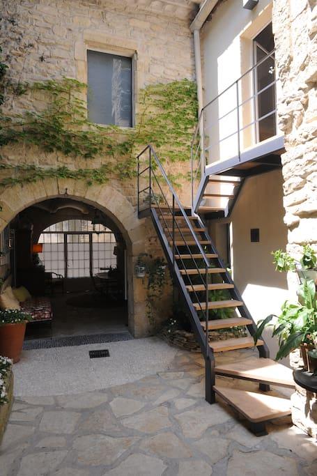 Patio / Escalier d'accès