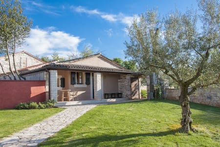 Stancija Mihetini, Istrian Quality - Hus