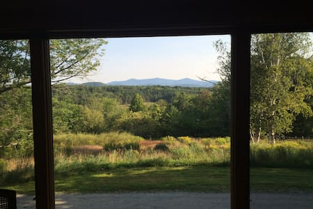 Tranquil guesthouse, amazing views, near Okemo! - Wallingford
