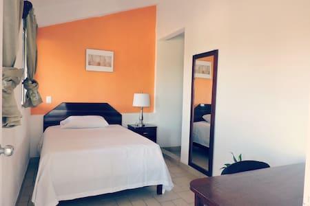 Beautiful cozy room near Chetumal Bay & University - Bed & Breakfast