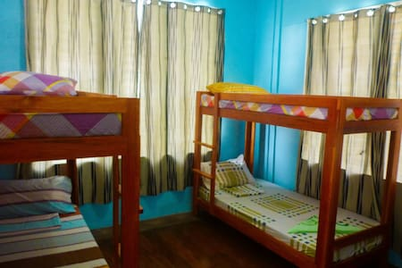 4-Bed Dorm Aventura Bnb Siquijor - San Juan - Bed & Breakfast