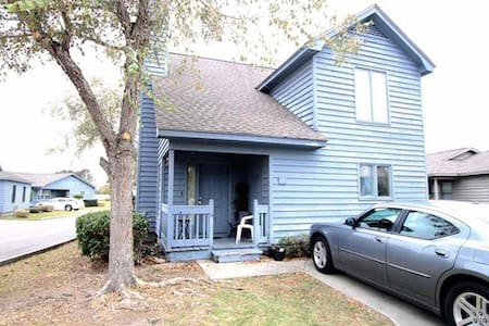Nicely furnished 3 bedroom 2 bath beach house 6 blocks from Myrtle Beach.  Walking distance to Broadway at the Beach, restaurants, shops, nite life.  Myrtle Beach and surrounding beaches are the best in the world.  Water parks,  amusement parks!