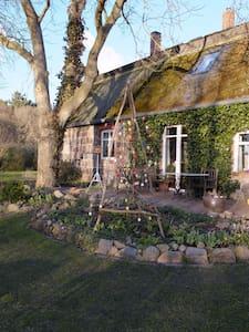 Bauernhaus nahe Usedom - Schmatzin - Casa