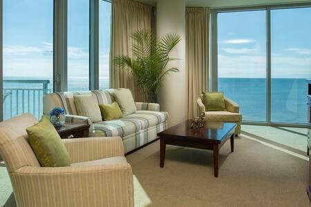 FULL GULF VIEW!  Private Balcony! - Biloxi - Apartamento