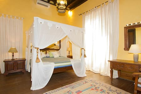 Private Suite 2p,heated pool&jacuzzy - San Bartolomé - Bed & Breakfast