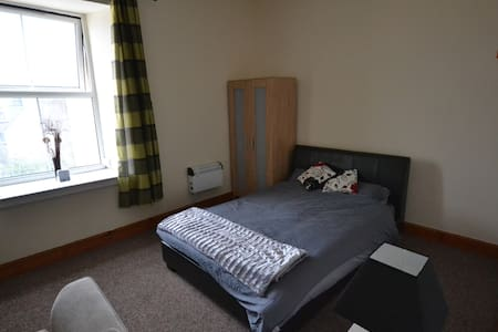 One Bed Apartment PembrokeDock - Apartament
