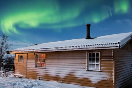 Cozy cabin, perfect for watching aurora borealis - Cabin