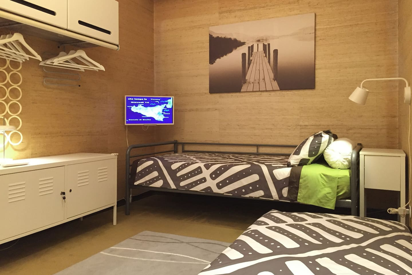 Due letti singoli - Two single beds