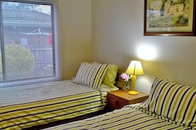 Picture of Clean & cosy bnb with clean bathroom, close 2 cbd