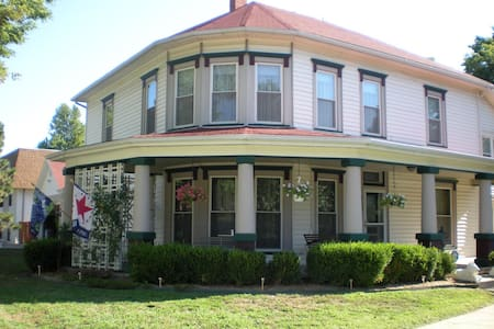Victory Inn Bed and Breakfast - Wamego