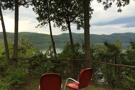 Private Lakefront getaway on Lake Champlain - Vergennes - Cabana