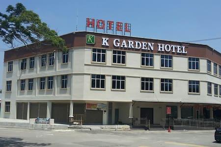 K Garden Hotel, Parit Buntar, Malaysia - Ganze Etage