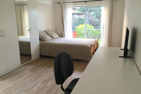Self-contained 38sqm studio apartment - Shelley - Daire