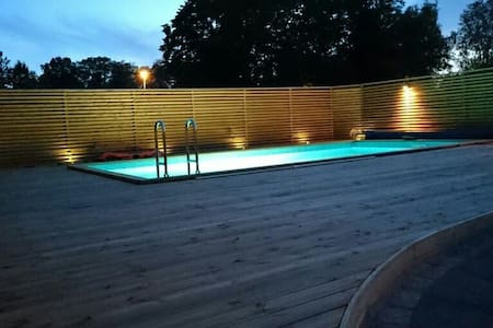 Modern villa white private pool - Åkersberga - House