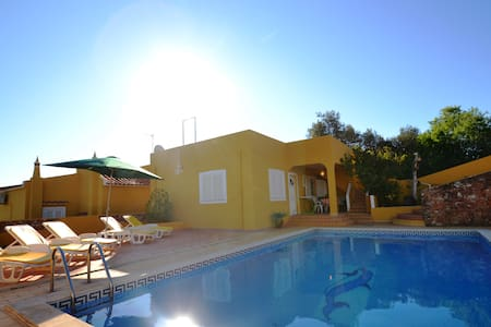 Fantastic 4 Bed Room Villa - Lagoa - Villa