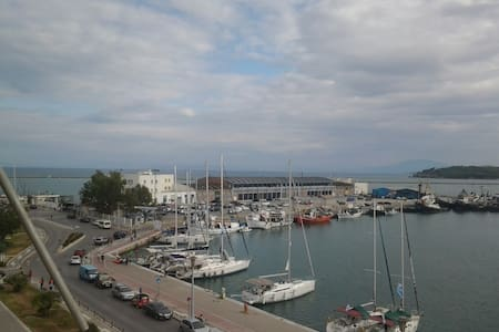 Seafront Apartment in Volos - Volos - Apartament