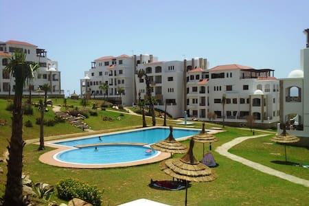 Charmant appart vue piscine à CABO NEGRO - Appartement
