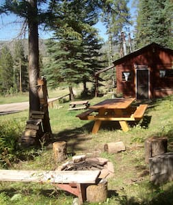 The Bear's Den Mountain Retreat $89. Meeker, CO. - Kisház