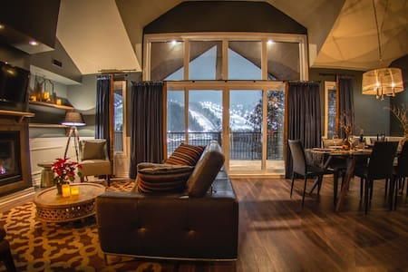 Luxurious mountainside condo - Mont St-Sauveur - Saint-Sauveur