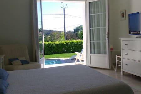 Proche Anduze, studio,clim,piscine. - Saint-Christol-lès-Alès - House