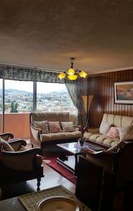 DEPARTAMENTO ACOGEDOR CON ESPECTACULAR VISTA - Quito