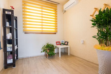 도남관광단지 근처 깨끗한 싱글룸- Cozy Single Room in Tongyeong - Deme 3-gil, Tongyeong-si - Rumah Tamu